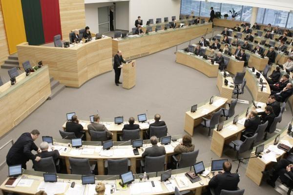 Profsąjungos žada pasipriešinimą, jei Seimas pritars siūlymams dėl DK