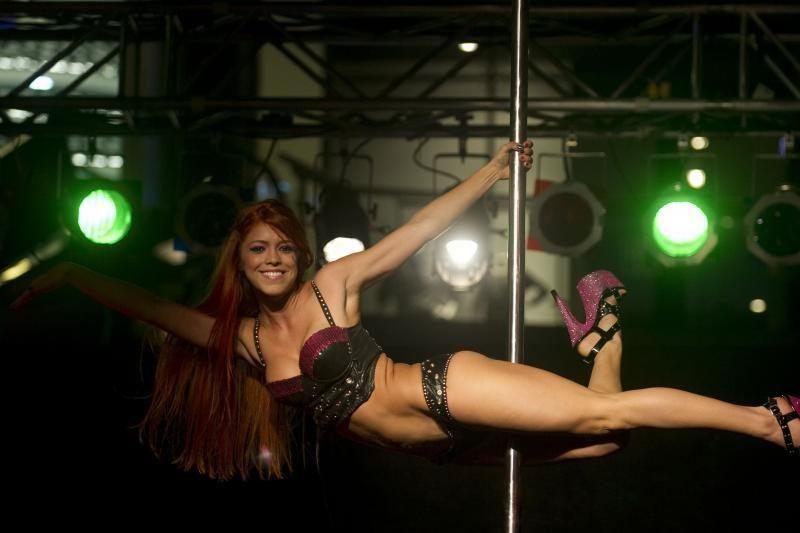 Kolumbijoje vyko geriausios šokėjos aplink stulpą rinkimai