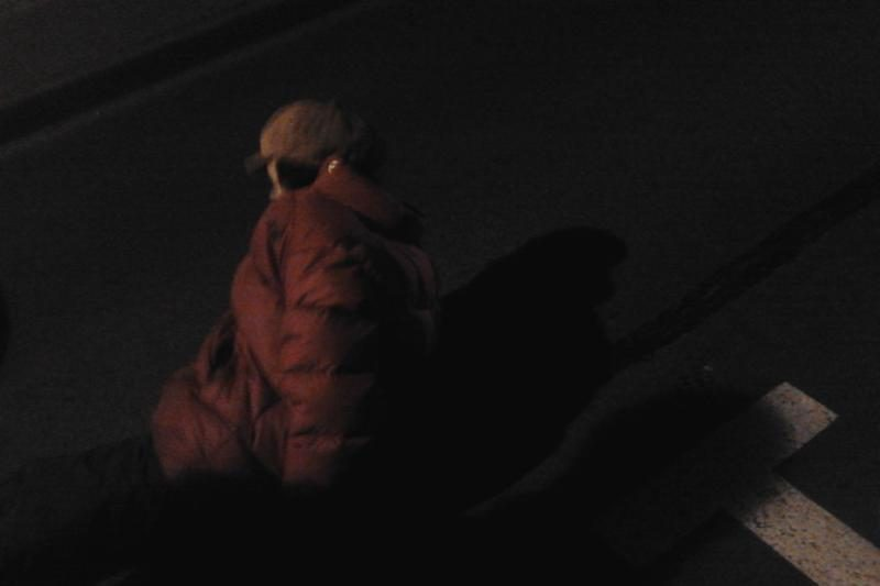 Vilniaus senamiestyje automobilis partrenkė į kelią išėjusią moterį