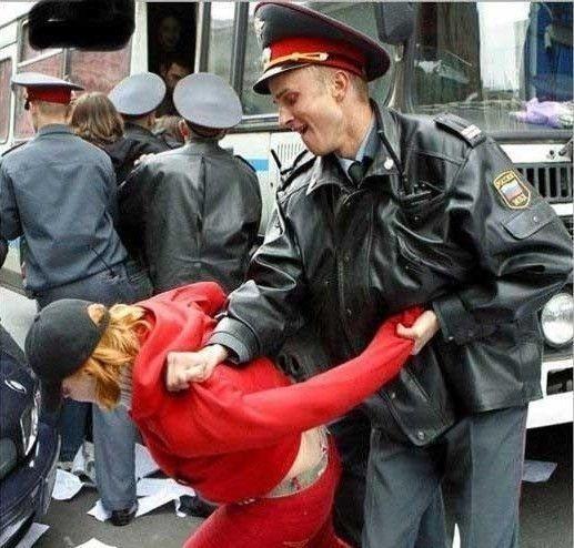 Medvedevas paliko policijai milicijos įgaliojimus