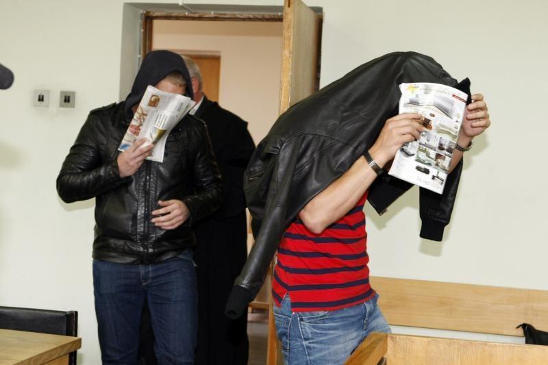 Nuteisti už nužudymą šilutiškiai teisme žegnojosi