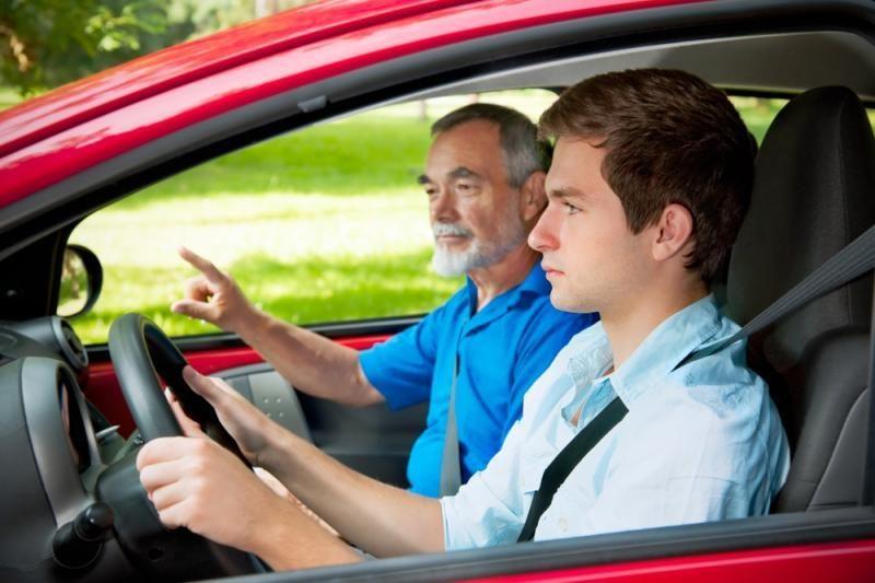 """Laikydamas teorinį vairavimo egzaminą """"susikirto"""" 92 kartus"""