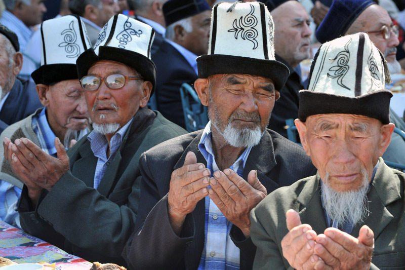 Kirgizijoje pralaimėję kandidatai nepripažįsta rinkimų rezultatų