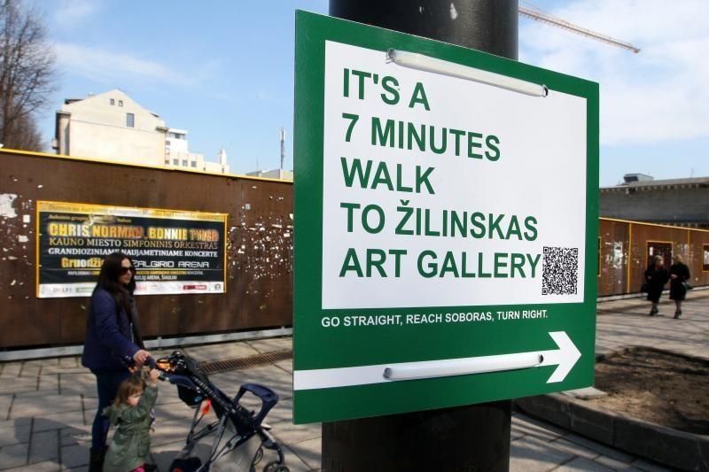 Kaune pridygo nelegalių ženklų turistams