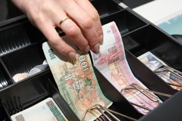 Seimo kanceliarijos kasininkė įtariama iššvaisčiusi pusę milijono litų