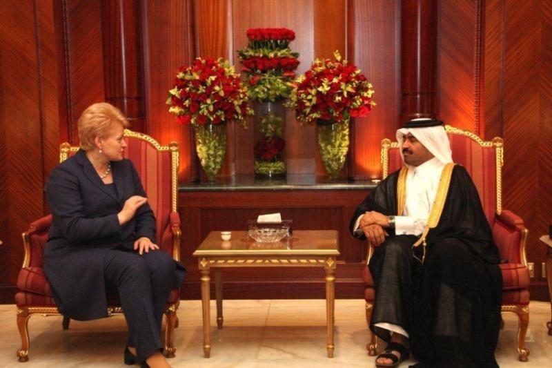 Per vizitą Katare Prezidentė ir delegacija gavo prabangių dovanų