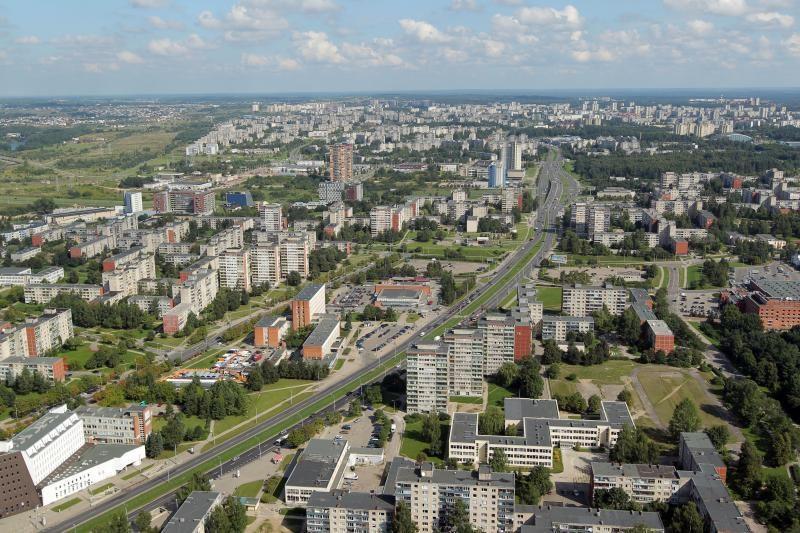 Ant Vilniaus TV bokšto užkeltas krepšinio krepšys
