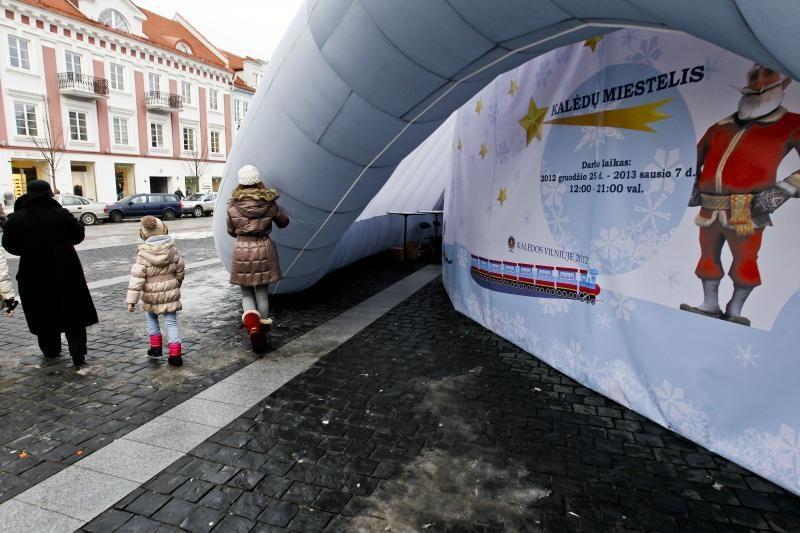 Rotušės aikštėje vietoj Kalėdų miestelio – burbulas