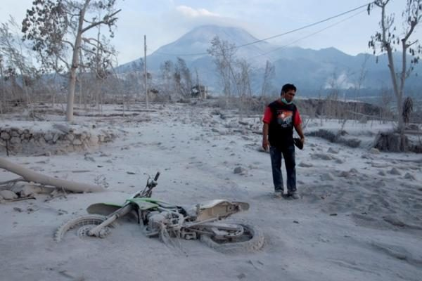 Indoneziją nuniokojusio cunamio aukų skaičius viršijo 400