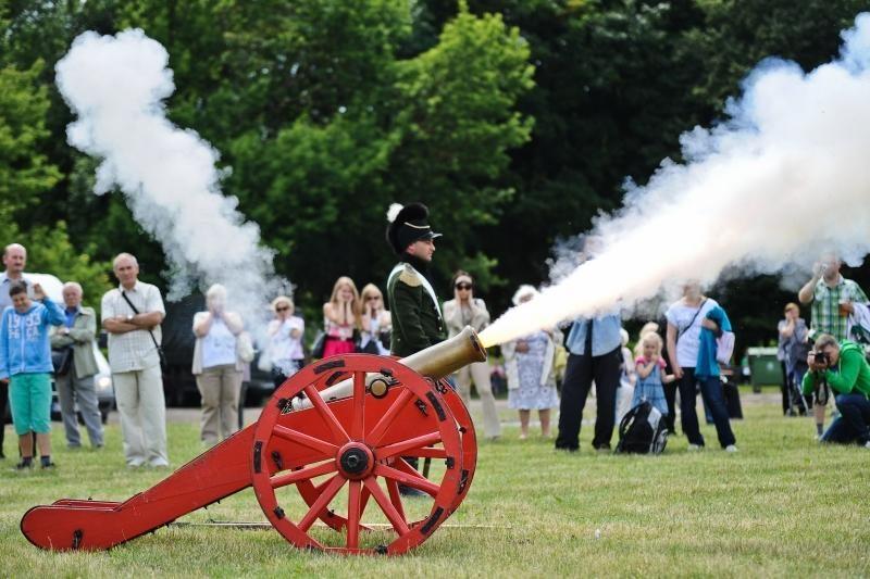 Po Napoleono kariaunos liko tik šienas