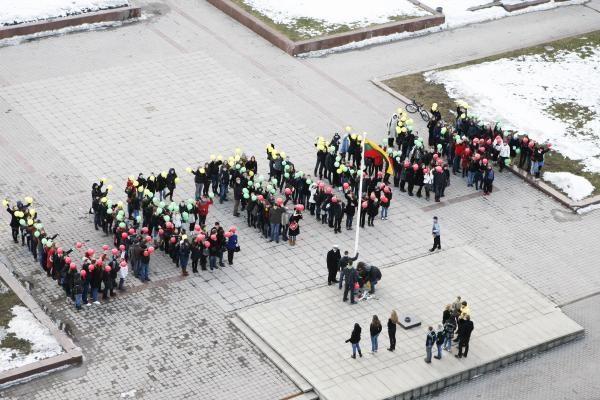 Kovo 11-osios šventė Klaipėdoje - su trispalvėmis burėmis