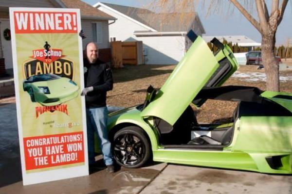 """Loterijoje laimėtą """"Lamborghini"""" vyras sudaužė po kelių valandų"""