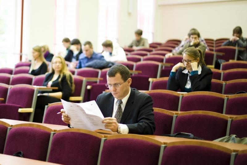 Įveikti Konstitucijos egzamino užduotis užteko ir 15 minučių