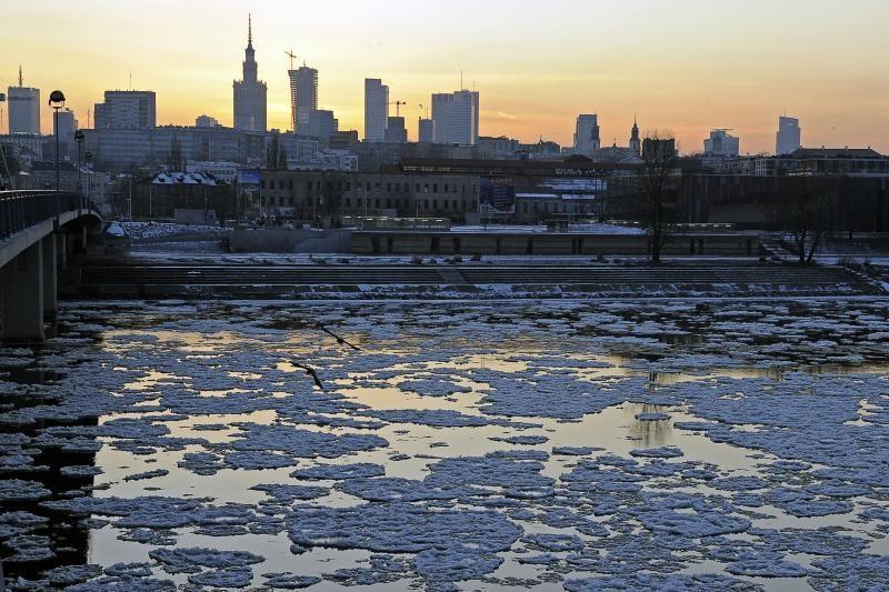 Varšuvos gyventojai per šalčius galės šildytis gatvėse