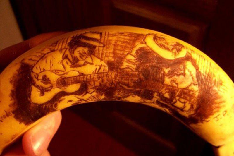 Australas bananus paverčia meno kūriniais (foto)
