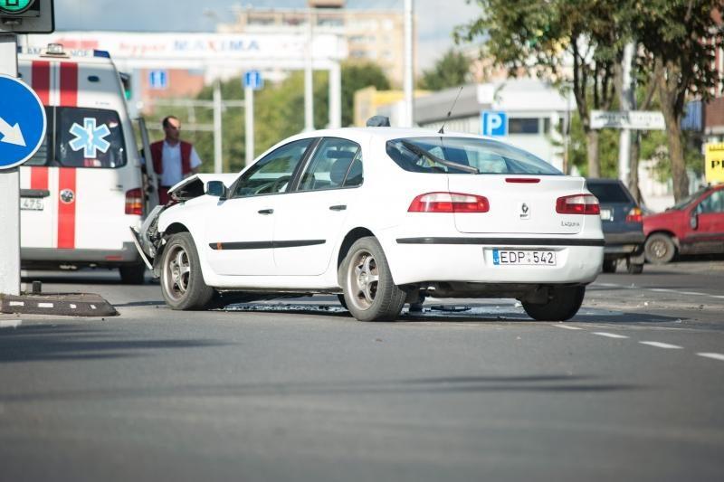 Piko metu Savanorių prospekte susidūrė keturi automobiliai