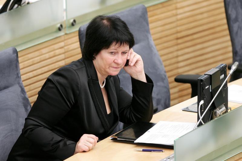 V.Baltraitienė traukiasi iš komisijos dėl N.Venckienės neliečiamybės