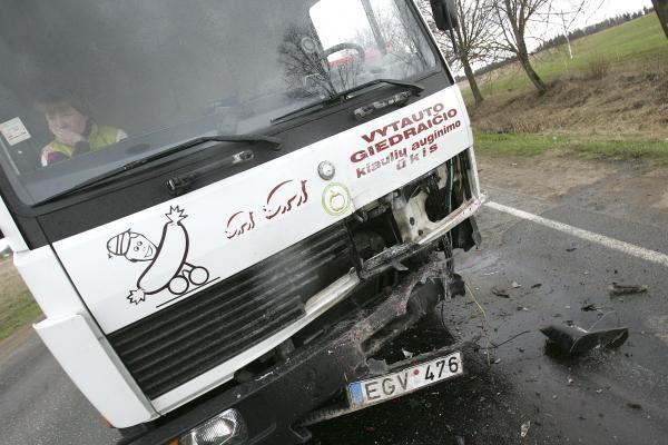 Dėl avarijos pakaunėje susidarė transporto spūstys