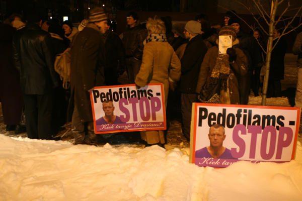 Pedofilijos skandalas: Vilniuje reikalauta A.Valantino galvos (papildyta)