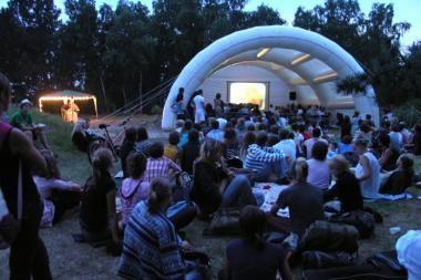 T.Manno festivalyje įsižiebė kino naktys prie švyturio