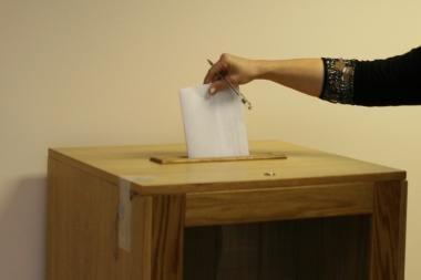 Įtemptuose Kirgizijos parlamento rinkimuose į priekį įsiveržė nacionalistų partija