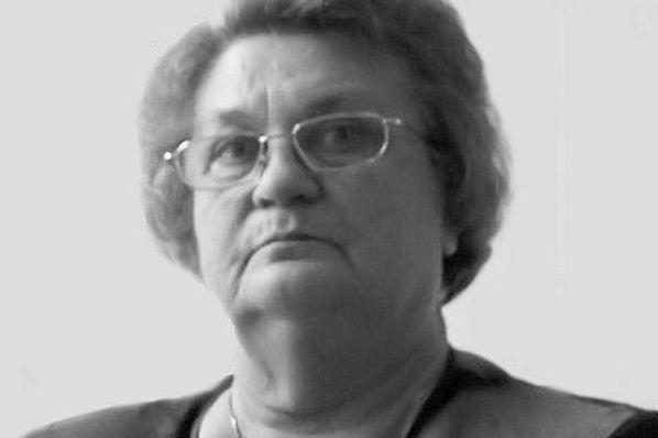 Mirė ilgametė Kauno lėlių teatro aktorė R.T.Kabelkaitė