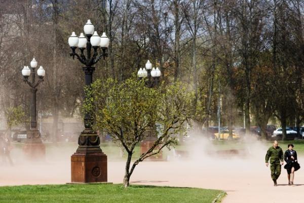Vilnius skendi dulkių debesyje