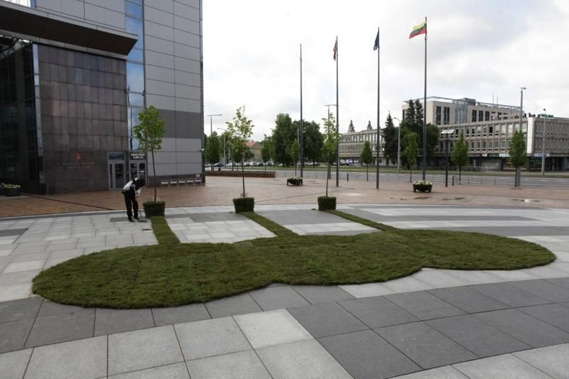 Europos aikštė Vilniuje virto meno kūriniu