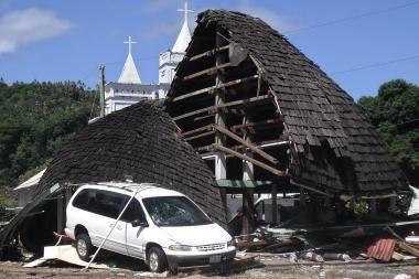 Cunamis Indonezijoje pareikalavo mažiausiai 108 žmonių gyvybių