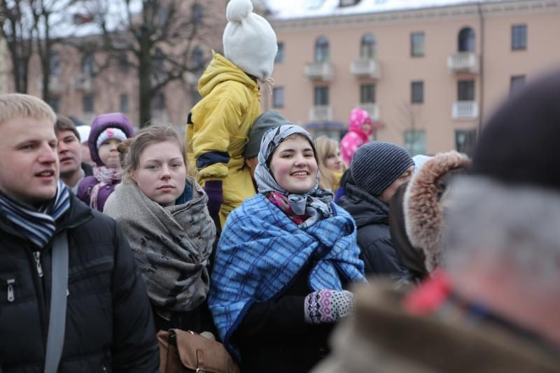 Žiemą lauk varę klaipėdiečiai vos tilpo Teatro aikštėje