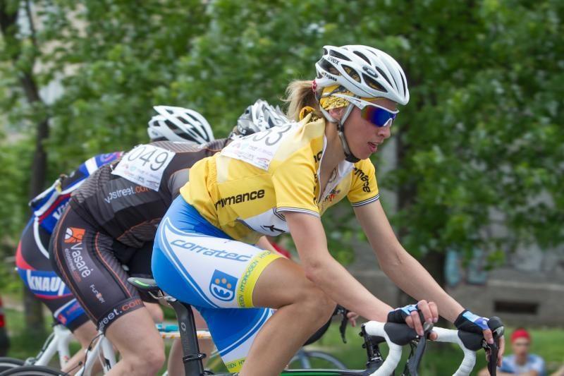 Atsargiai: Lazdynus  šturmuoja dviratininkai!