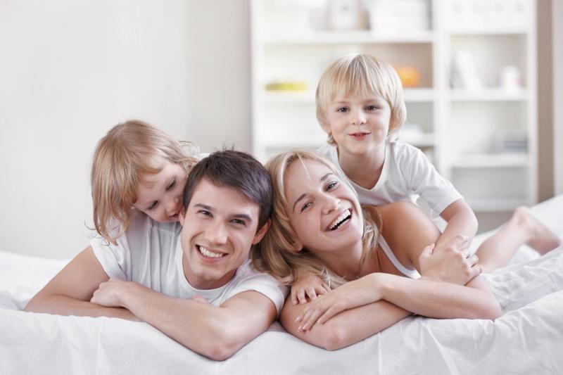 Liberalai plakatus apie šeimą tik santuokoje vadina išlaidavimu