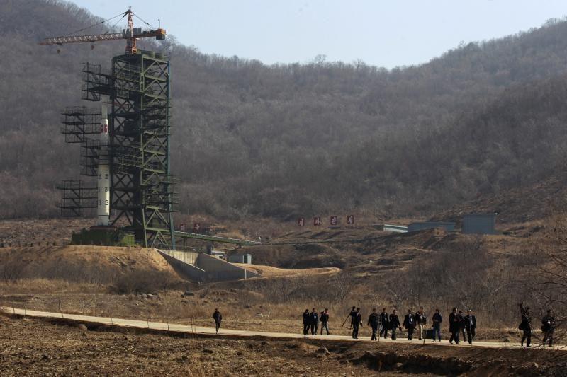 Šiaurės Korėja smerkiama dėl raketos paleidimo