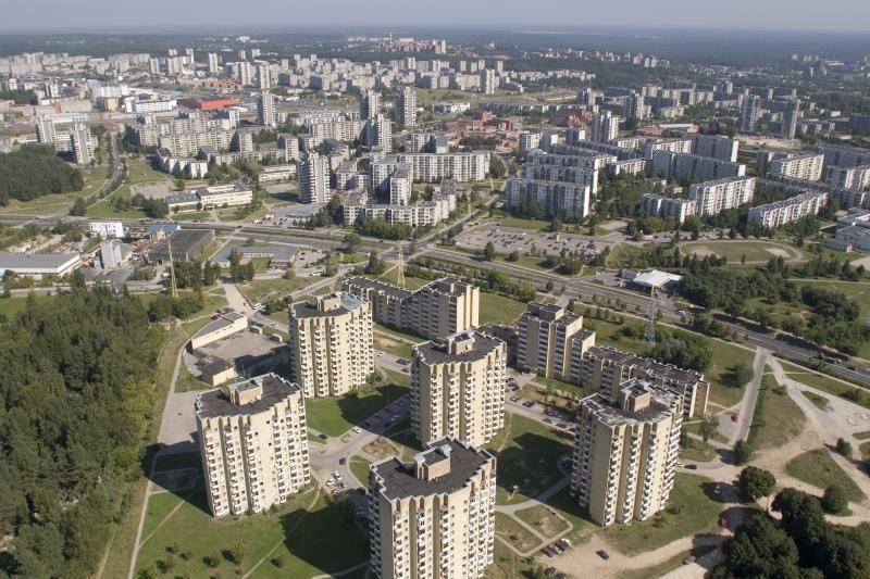 Balandį Vilniuje mažėjo senos statybos butų kainos