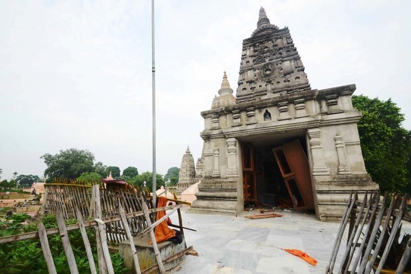 Indijoje vieną iš pagrindinių budistų šventovių sudrebino sprogimai