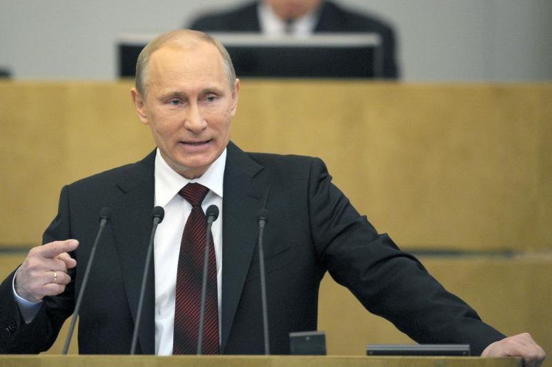 """V. Putinas: Rusija """"niekada nieko niekur neperduoda"""""""