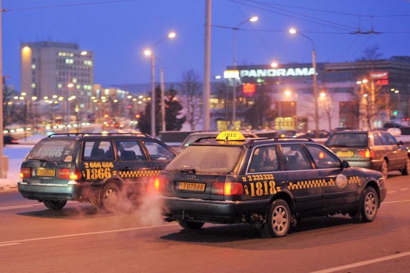 """""""Zuoko taksi"""" skelbia paslaugų įkainius"""