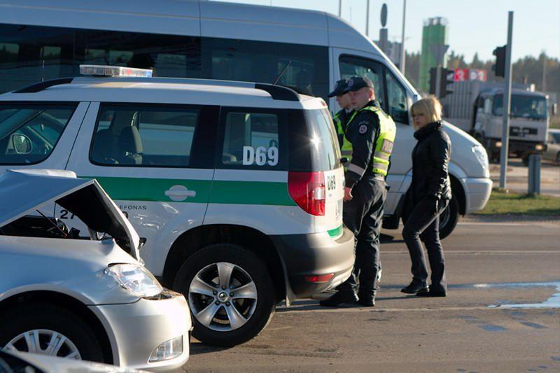 Pagiringas pirmadienis: avarijas padarė 4 neblaivūs vairuotojai
