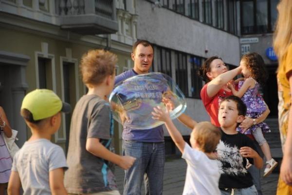 Pirmadienį Soboras skendo muilo burbuluose