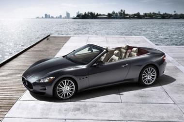 """""""Maserati"""" Londone pristatė keturvietį kabrioletą"""