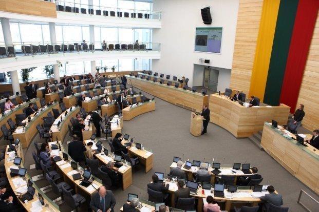 Seimas atmetė Prezidentės veto – partijos nevykdys viešųjų pirkimų
