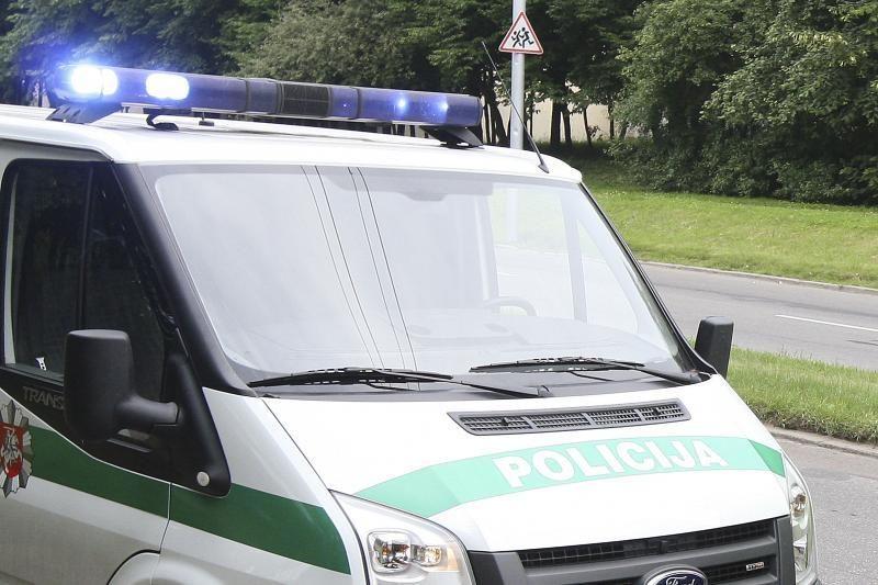 Policininkai vaikėsi pažeidėją šaudydami į padangas