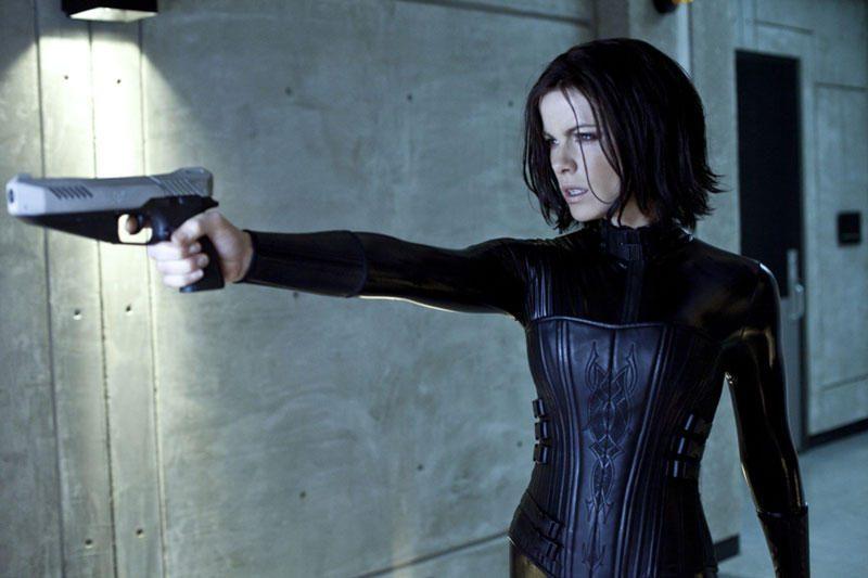 """Kate Beckinsale prisipažino nesitikėjusi sugrįžti į """"Kitą pasaulį"""""""