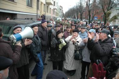 Prie Klaipėdos savivaldybės – socialdemokratų piketas prieš saviškius