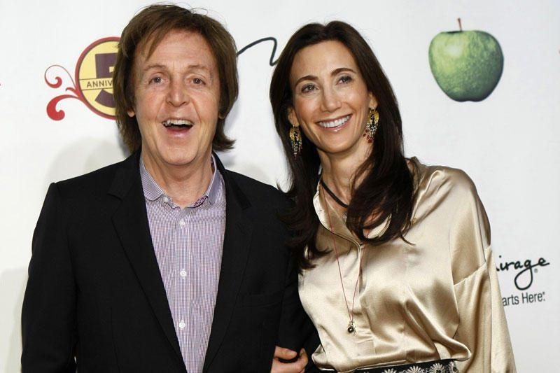 """""""Eksbitlas"""" McCartney veda savo draugę amerikietę"""