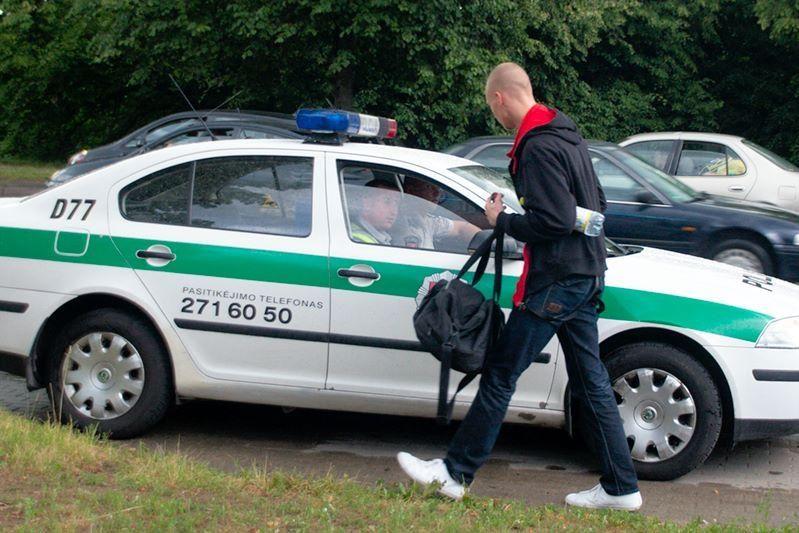 """Nedėmesingas """"Audi"""" vairuotojas Vilniuje sukėlė avariją"""