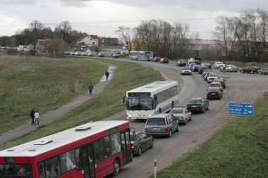 Vėlinių dienomis keičiamas transporto eismas į miesto kapines