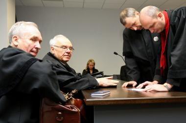 Vėl pakeistas teisėjų skaičius teismuose