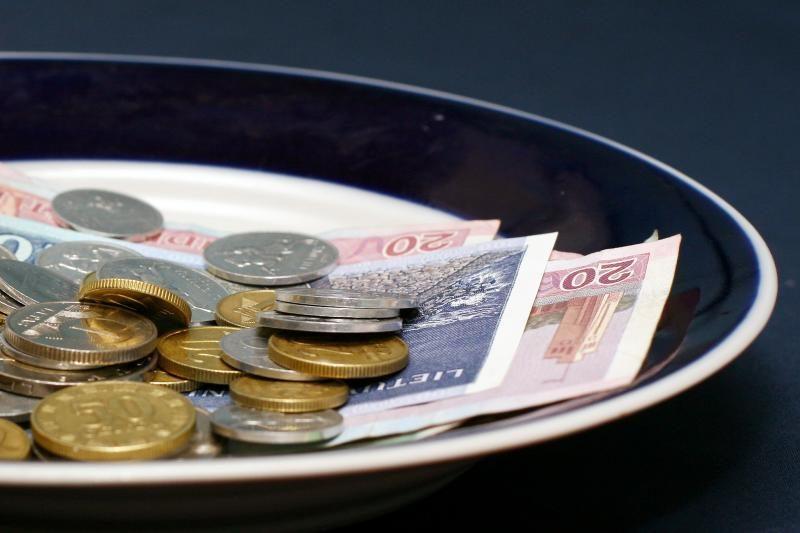 Iš senų daiktų aukciono Seimas tikisi gauti 19 tūkst. litų
