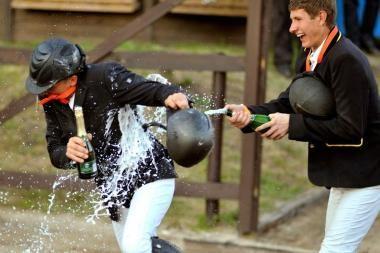 Lietuvos konkūrų čempionate – senjorų ir jauniausių raitelių pergalės